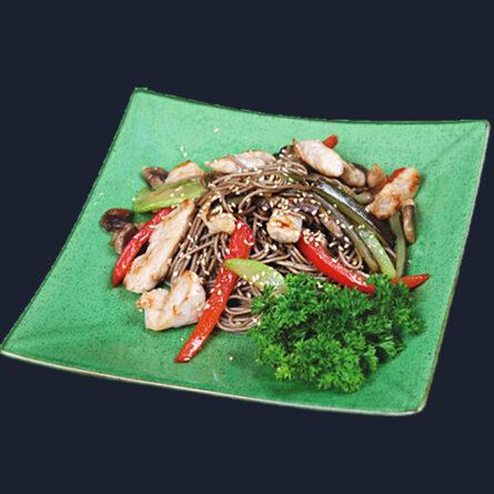 Гречневая лапша с курицей и овощами 200 гр
