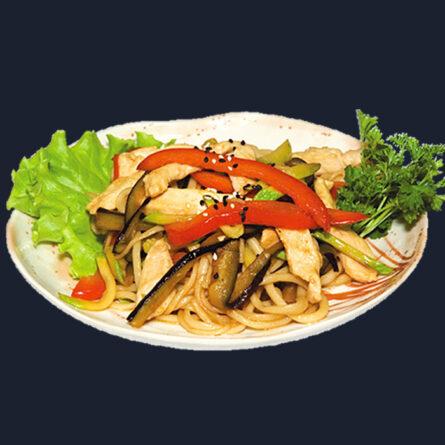 Лапша с жареными овощами и курицей 250 гр